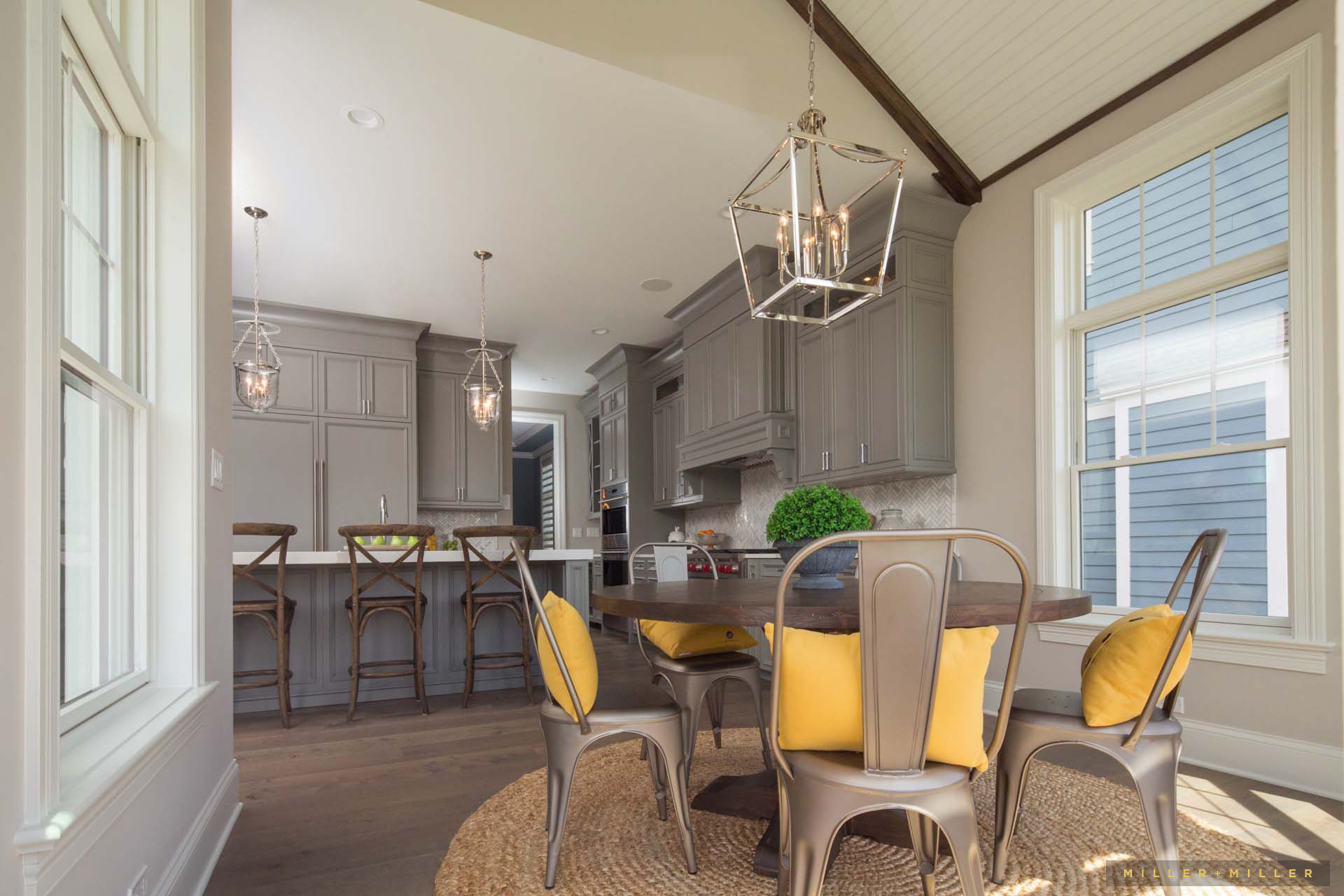 Inspiring room modern nantucket style farmhouse kitchen for Nantucket style kitchen