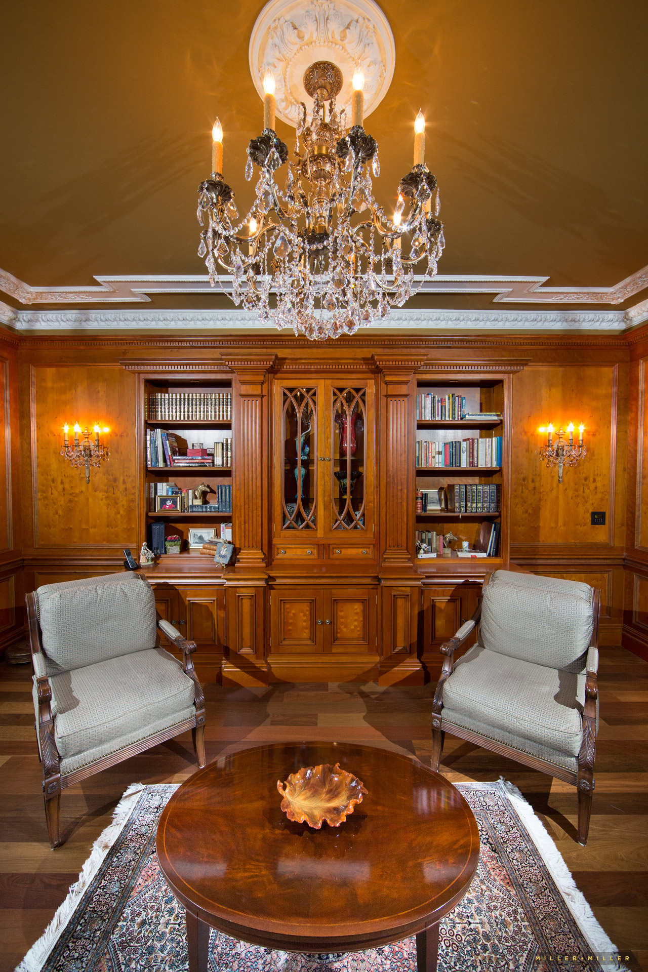 burlwood-luxury-home-library-millwork-photographer