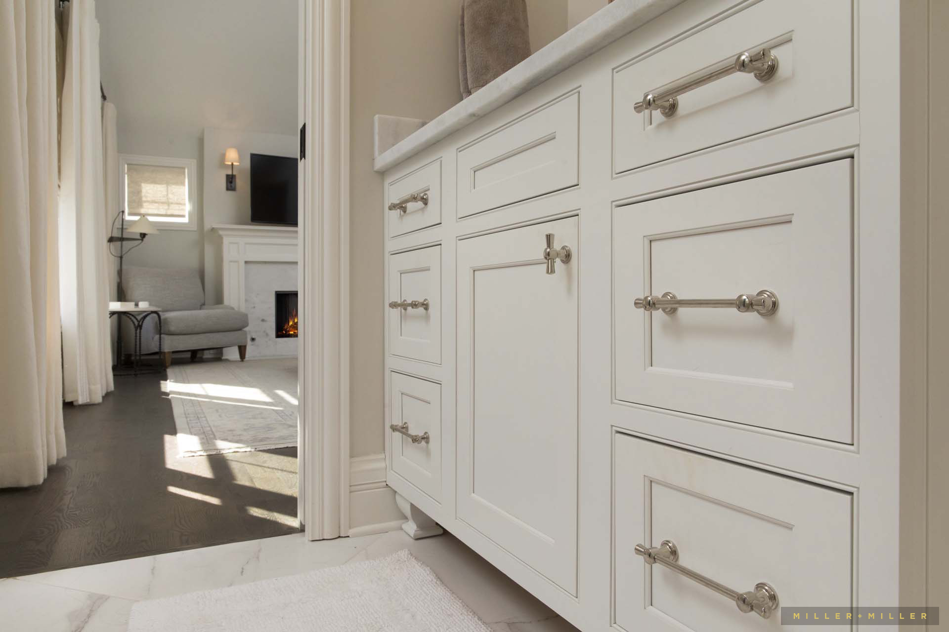 classic-white-bathroom-cabinetry-photos