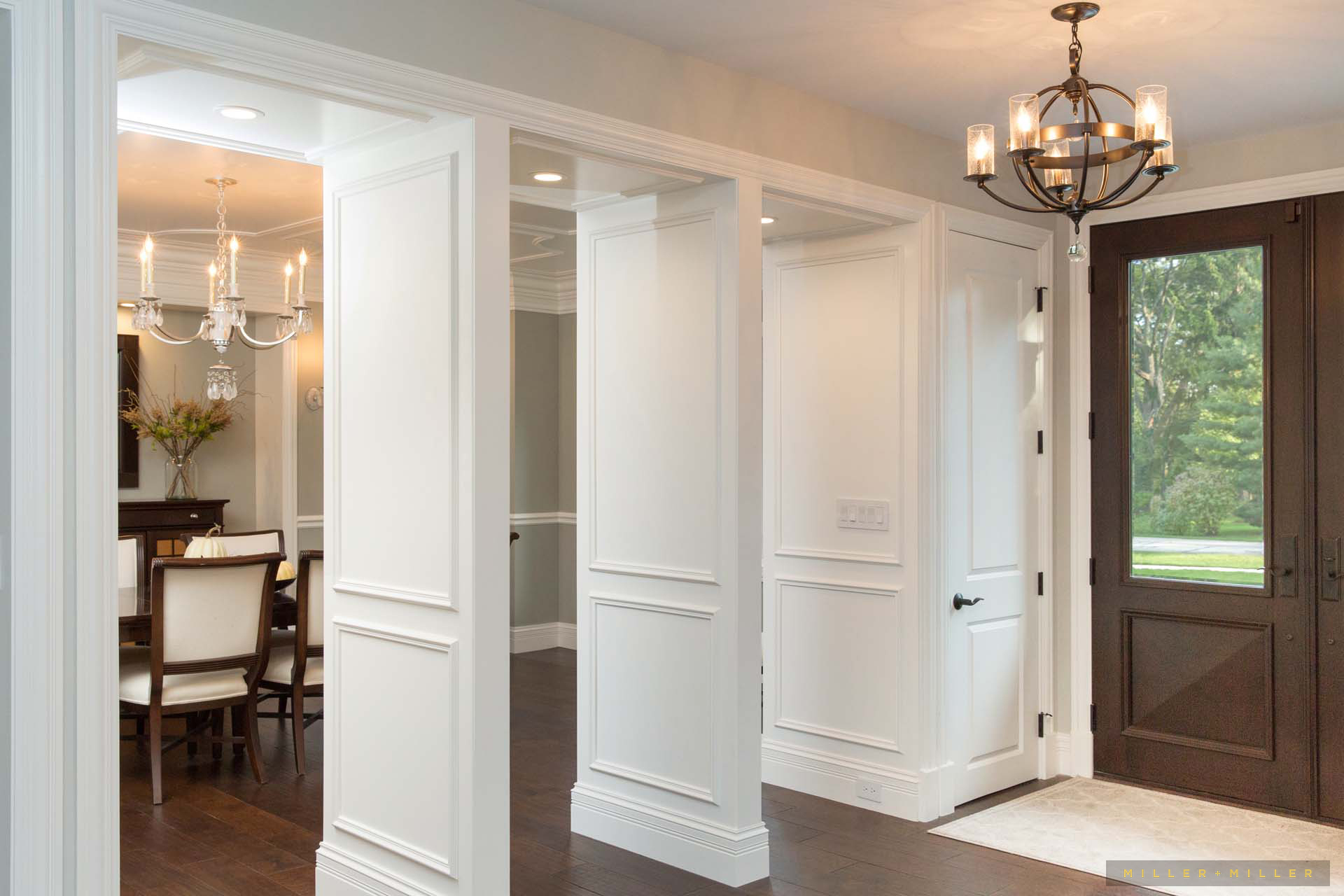 custom-millwork-entry-dining-foyer-divider