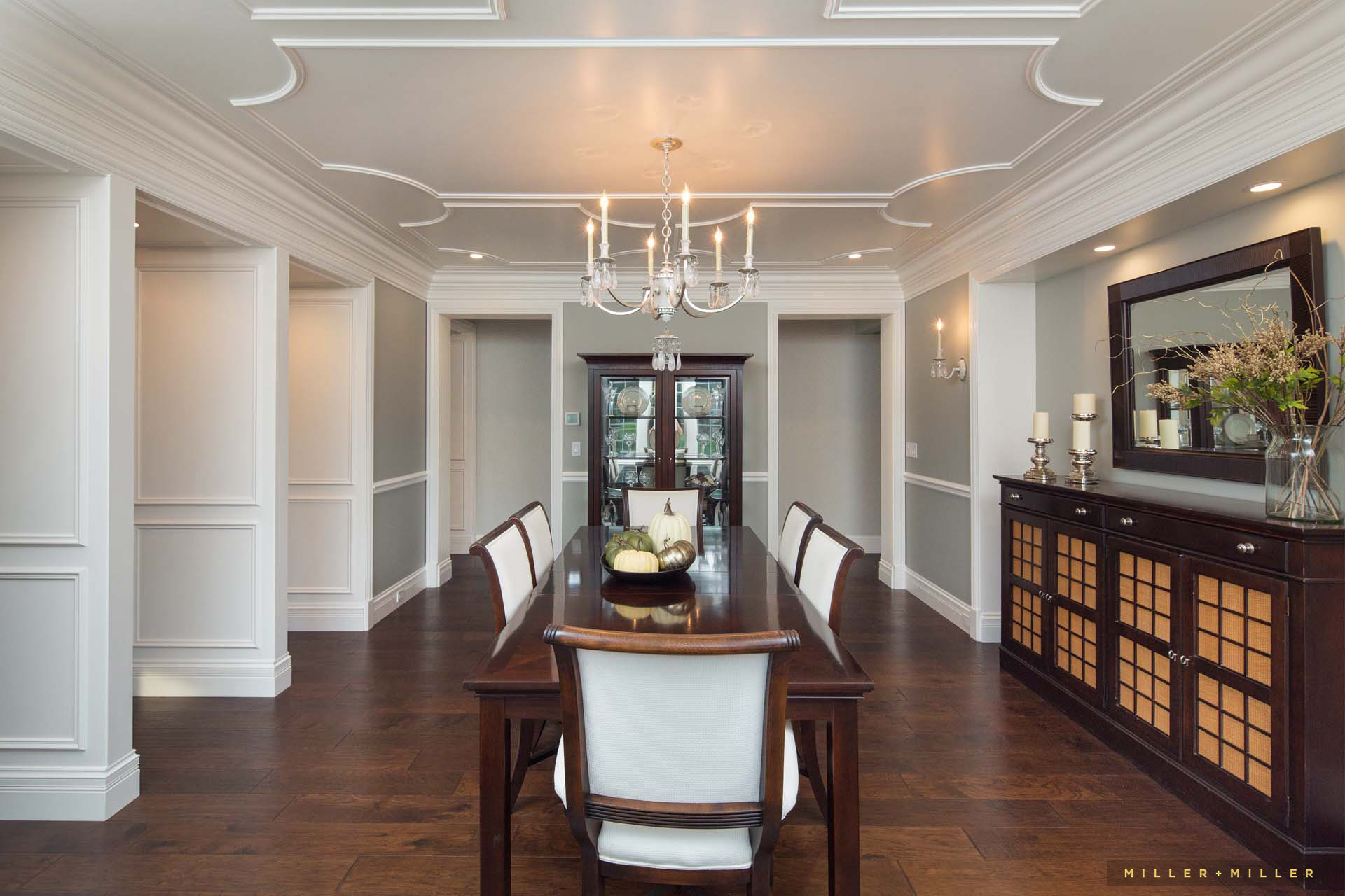dining-room-ceiling-millwork-elaborate-crown-molding