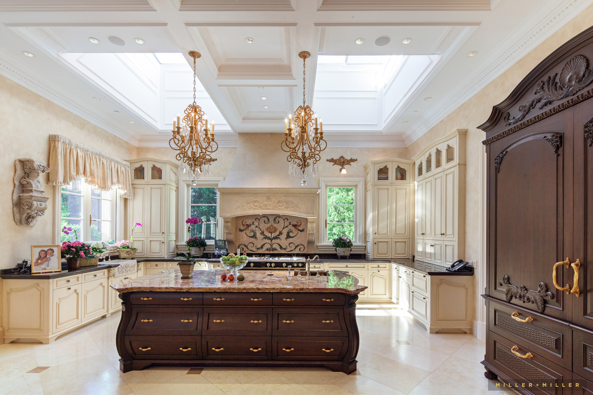 luxurious-french-country-kitchen-hinsdale-photography