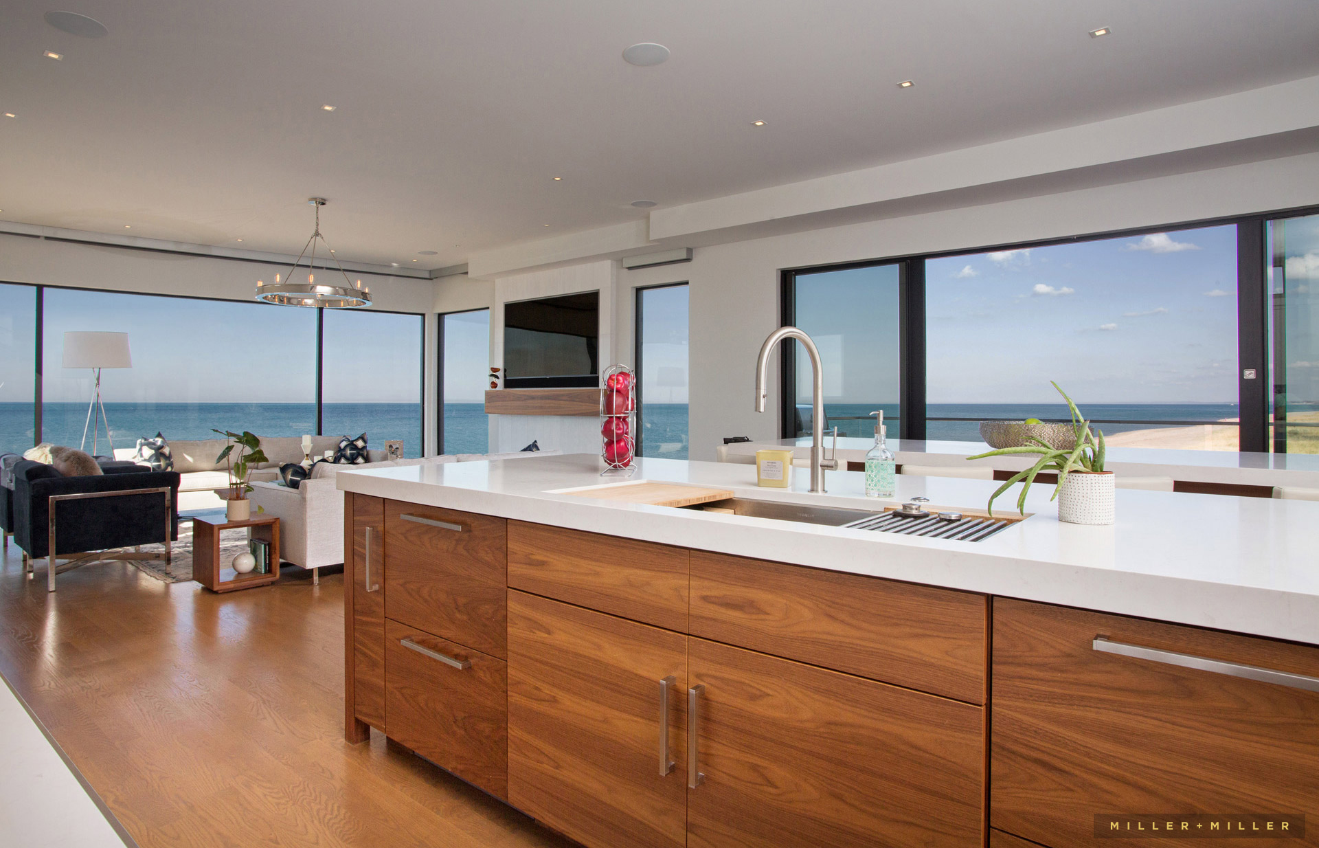 Lake michigan beach homes real estate photographers - How to take interior photos for real estate ...