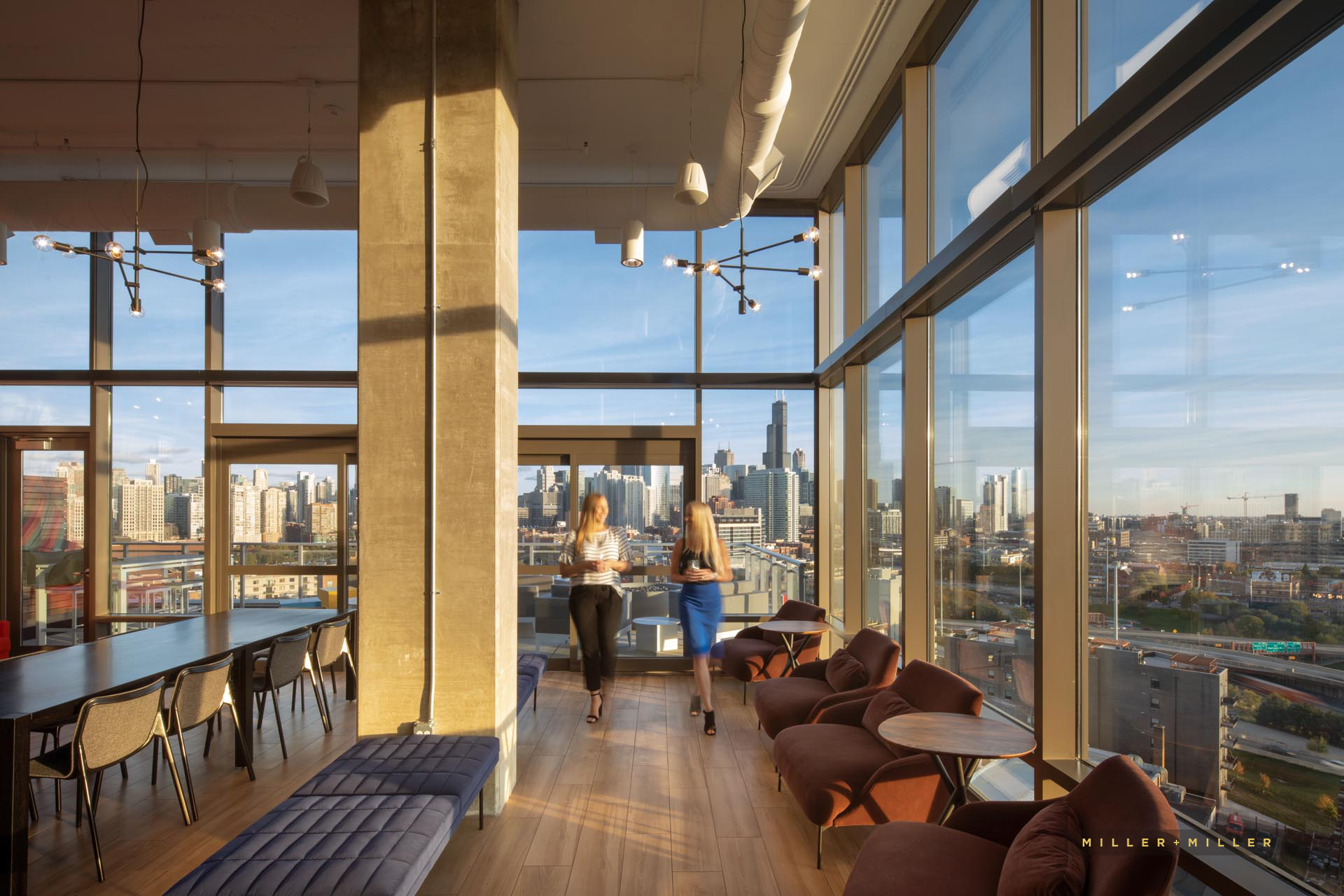 Chicago rooftop penthouse bar restaurant interior images skyline