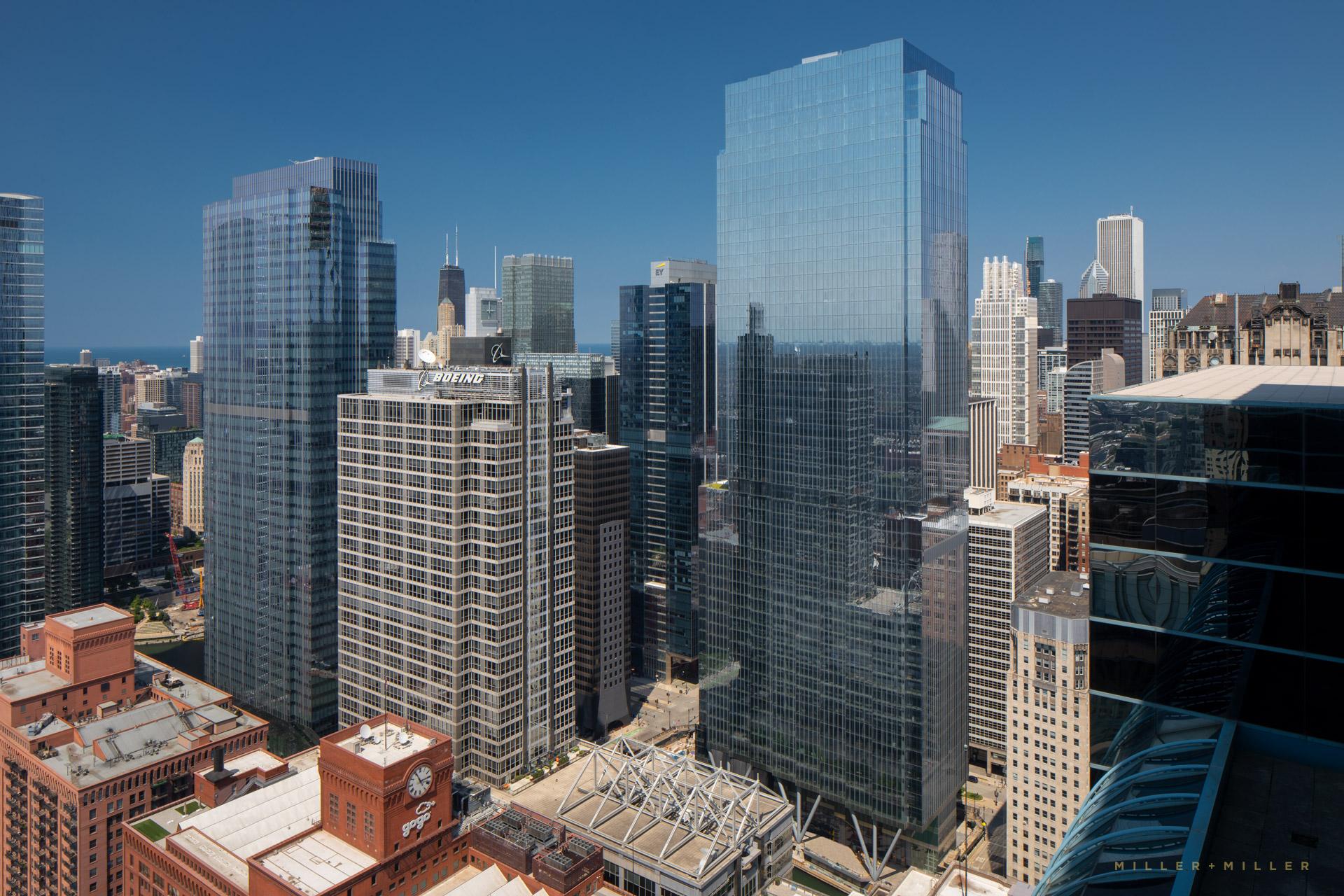 110-n-wacker-chicago-skyscraper-building-photography